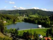 Výhled na přehradu na Horní Bečvě v létě